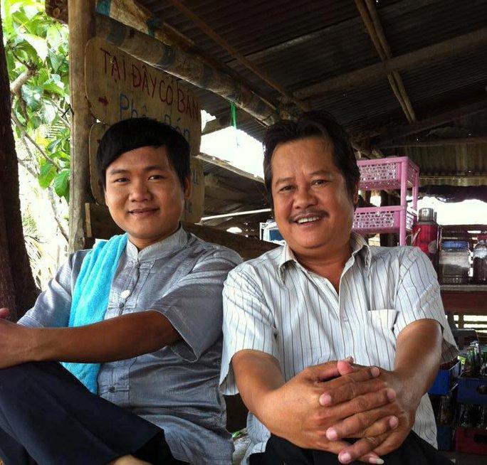 Nghệ sĩ Thanh Nam và diễn viên Thanh Tuấn trên trường quay