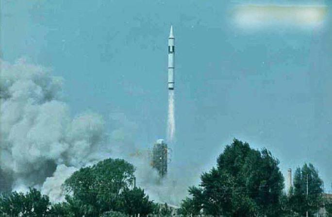 Một vụ phóng tên lửa CSS-4Ảnh: The Washington Times