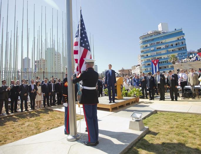 Ngoại trưởng Mỹ John Kerry chủ trì lễ thượng cờ Mỹ tại đại sứ quán Mỹ ở HavanaẢnh: REUTERS
