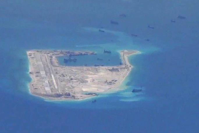 Hình ảnh Trung Quốc xây dựng ở Đá Chữ thập do máy bay Mỹ chụp đượcẢnh: Reuters