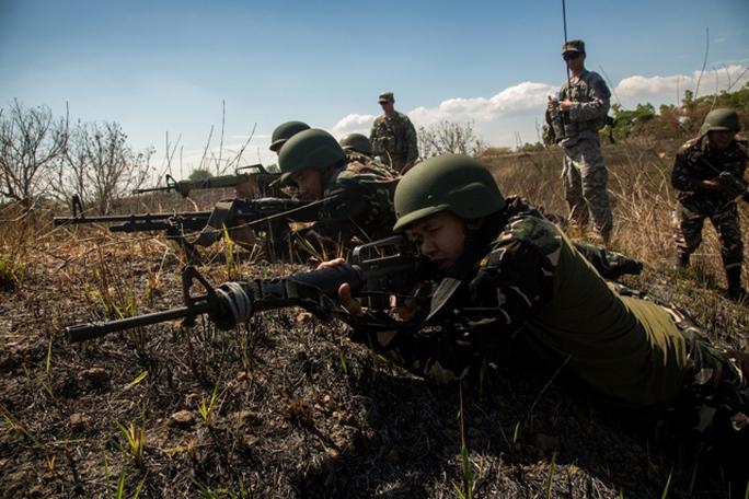 Quân đội Philippines và Mỹ tập trận thường niên Balikatan 2015 ở căn cứ Magsaysay, phía Bắc Philippines hồi tháng 4Ảnh: US ARMY