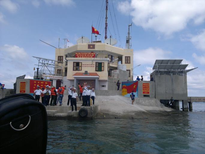 Đá Lát - một trong những đảo đá chìm thuộc chủ quyền của Việt Nam ở biển Đông Ảnh: Lương Duy Cường