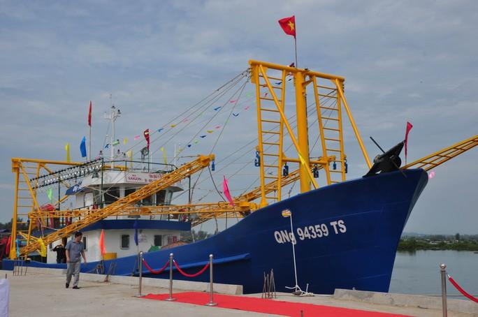 Một trong 2 tàu cá vỏ thép của ngư dân Quảng Ngãi được hạ thủy vào tháng 5-2015Ảnh: TỬ TRỰC