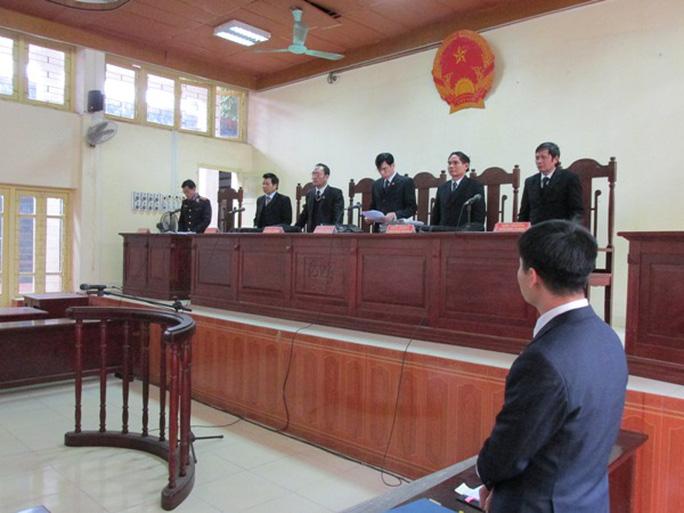 Bị cáo Chung không được trích xuất đến toà theo triệu tập