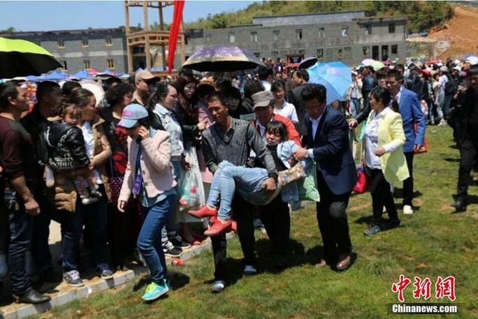 ...khiến 2 người chết và 48 người bị thương. Ảnh: Chinanews