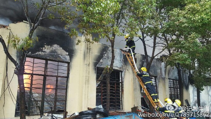 Lửa được khống chế sau 1 giờ... Ảnh: Weibo
