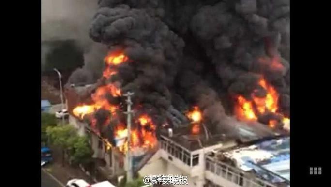 Vụ cháy ở An Hui hôm 20-8. Ảnh: Sina