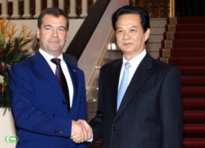 Thủ tướng Nguyễn Tấn Dũng và Thủ tướng LB Nga Dmitry Medvedev trong chuyến thăm của ông Medvedev tới Việt Nam trên cương vị Tổng thống LB Nga năm 2010. Ảnh: Chinhphu.vn