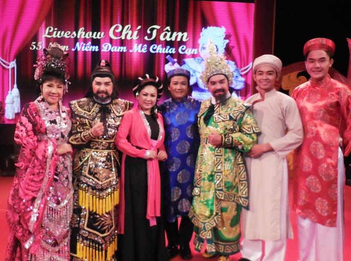 Lệ Thủy, Chí Tâm, Thanh Thủy, Lê Tứ, Thanh Tuấn, Nguyễn Anh Tú, Nguyễn Phi Long trong đêm live show