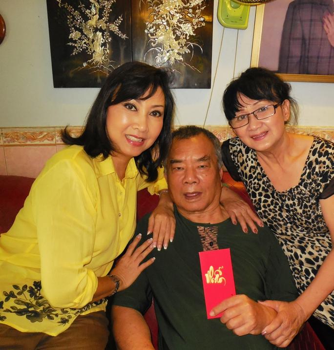 """Phương Hồng Ngọc bùi ngùi gặp lại """"Nhuận Điền"""" Thanh Tú"""