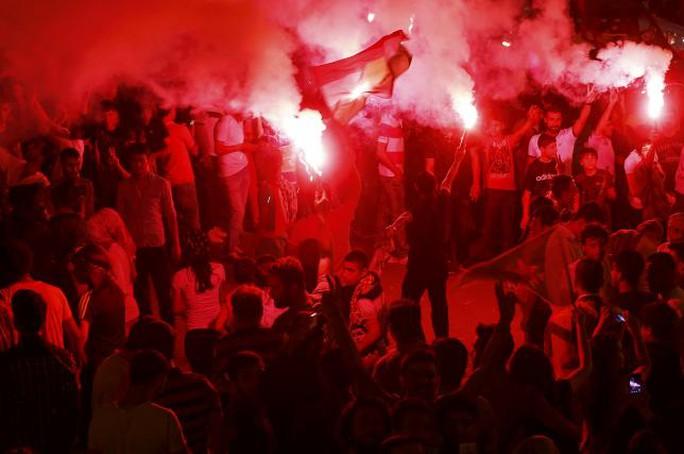 Người ủng hộ Đảng Dân chủ Nhân dân (HDP) vui mừng với kết quả bầu cử. Ảnh: Reuters