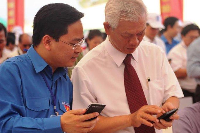 CNVC-LĐ tỉnh Khánh Hòa nhắn tỉn ủng hộ xây dựng Khu tưởng niệm Chiến sĩ Gạc Ma   ẢNH: KỲ NAM