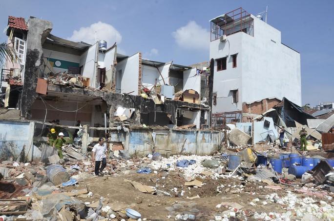 Hiện trường vụ nổ tại Công ty TNHH Đặng Huỳnh, quận 12 làm 3 người chết