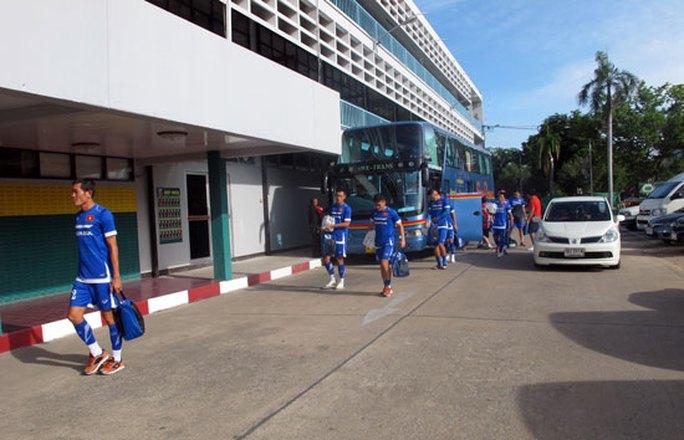BTC bố trí cho ĐTQG tập tại sân của CLB Quân đội Hoàng gia Thái Lan