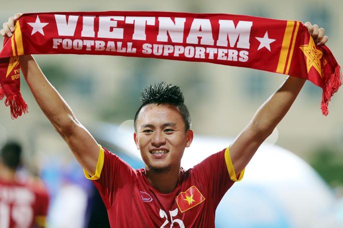 Và cất cao niềm vui: Tôi yêu Việt Nam