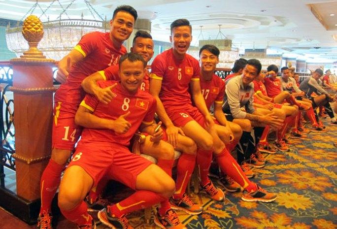 Toàn đội thoải mái tinh thần và tràn đầy hứng khởi hướng tới trận đấu quan trọng với ĐT Thái Lan