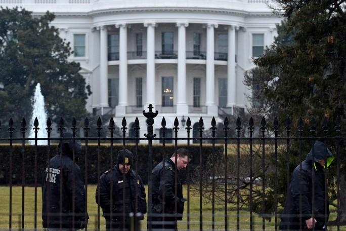 Giới chức Mỹ vẫn đang điều tra vụ việc. Ảnh: AP