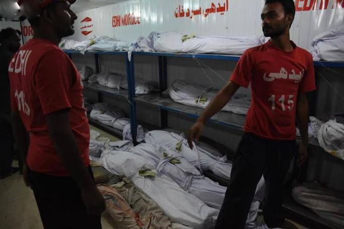 Nhà xác đã chứa đến 150 thi thể. Ảnh: Daily Pakistan