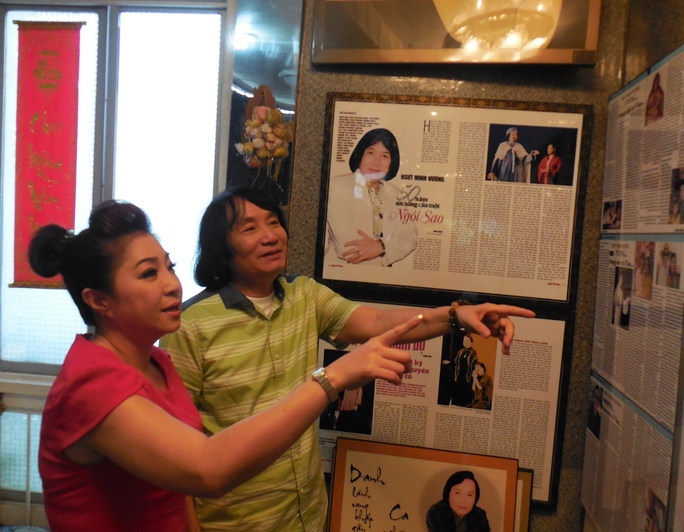 NSƯT Thoại Mỹ xúc động thăm NSƯT Minh Vương