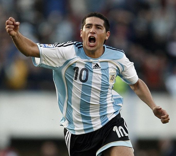 Cựu tiền vệ tuyển Argentina Riquelme