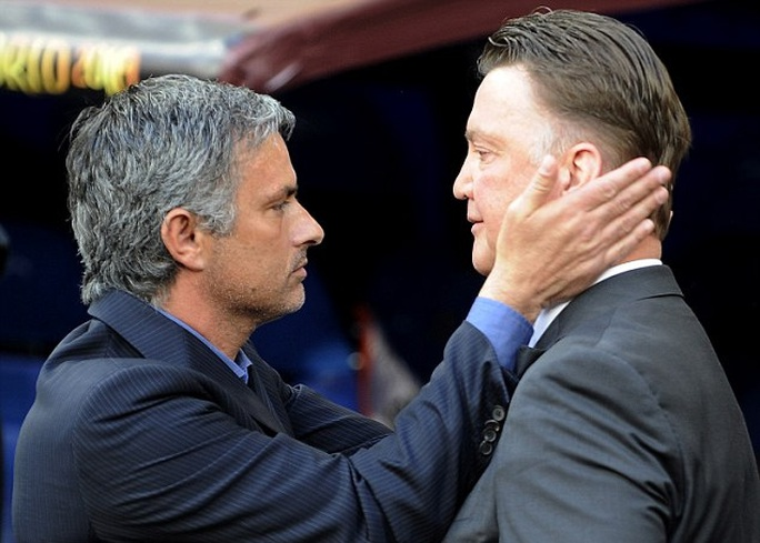 HLV Mourinho và Van Gaal