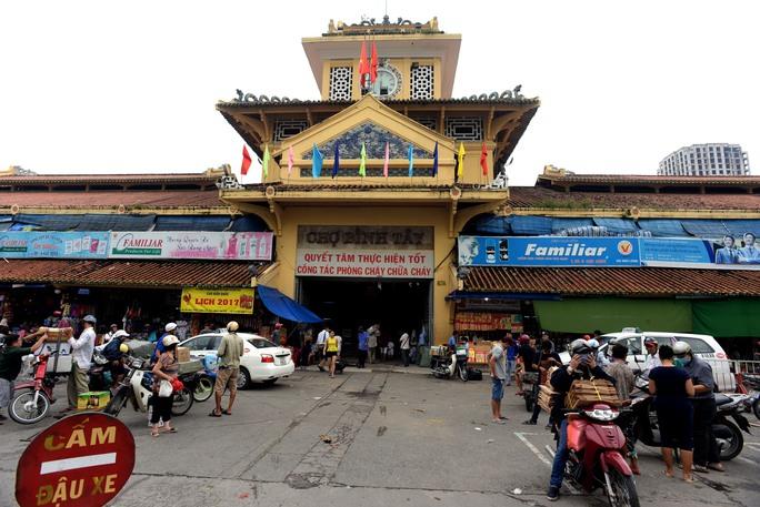 Chợ Bình Tây trước ngày tạm đóng cửa để đại tu