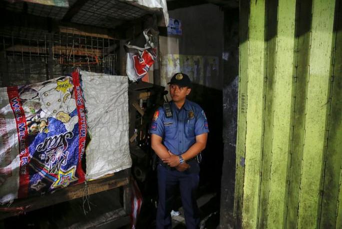 Cảnh sát Philippines đang lên kế hoạch giảm thiểu việc giết nhầm nghi phạm ma túy và tập trung nguồn lực truy quét người nổi tiếng dính đến tệ nạn này. Ảnh: REUTERS