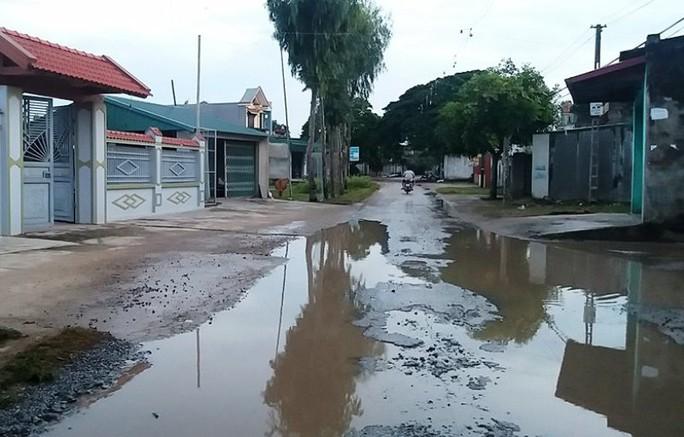 Đoạn đường nơi anh Lê Văn Sâm bị bạn chặn đường đâm chết