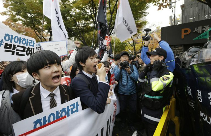 Học sinh biểu tình hôm 5-11. Ảnh: AP