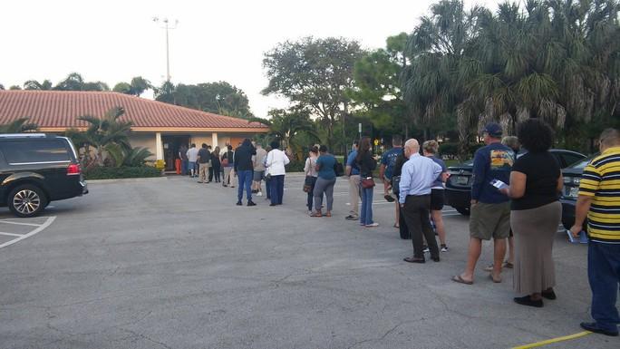 6,4/13 triệu cư dân bang Florida đã bỏ phiếu sớm tính đến 20 giờ (giờ Việt Nam). Ảnh: TWITTER