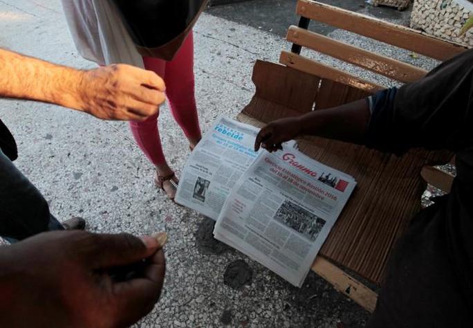 """Báo chí Cuba đăng tải cuộc tập trận """"Chiến lược Bastion"""" hôm 9-11. Ảnh: REUTERS"""
