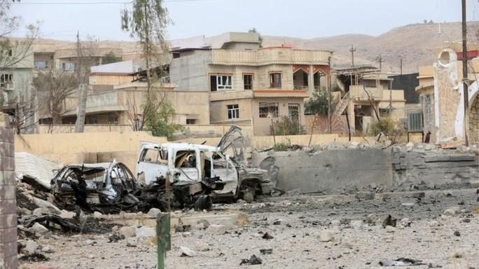 Thị trấn Bashiqa ở Mosul vừa được quân đội Iraq chiếm lại. Ảnh: REUTERS