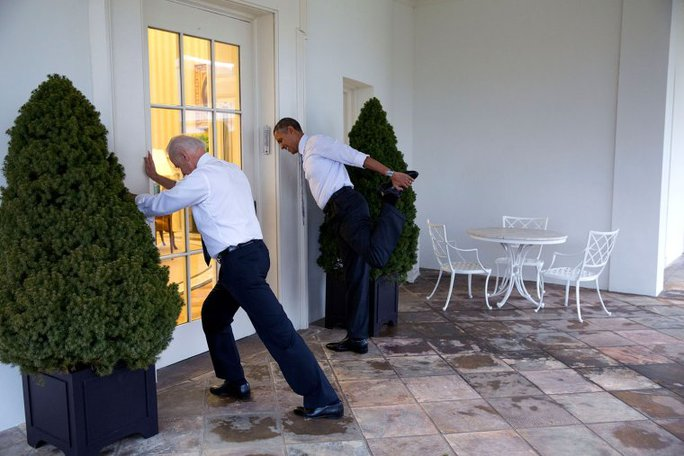 Hai ông Obama và Biden tham gia chương trình Hãy vận động ở Nhà Trắng ngày 21-2-2014. Ảnh: NHÀ TRẮNG