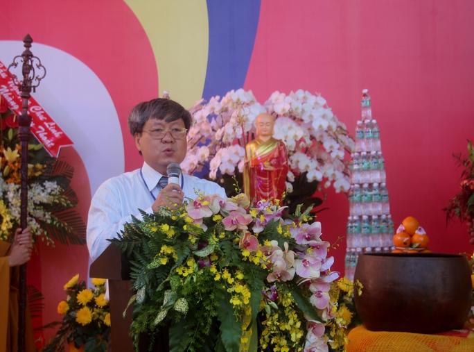 Ông Nguyễn Ngọc Tường, Phó Ban Chuyên trách Ban An toàn giao thông TP HCM phát biểu tại buổi lễ