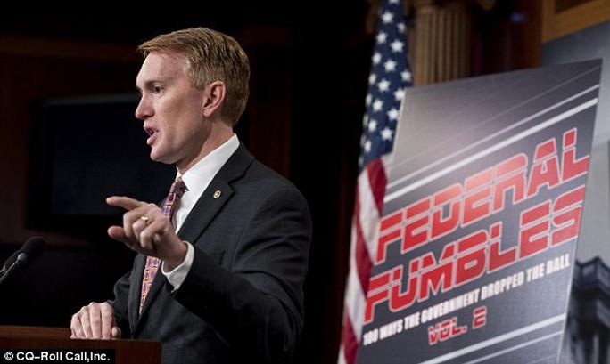 Thượng nghị sĩ James Lankford công bố báo cáo hôm 28-11. Ảnh: CQ