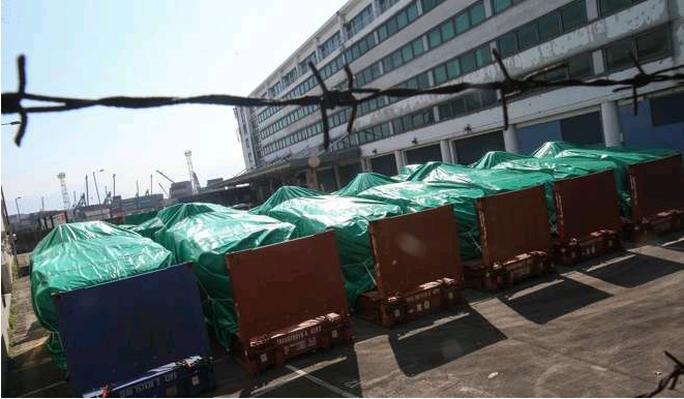 Lô xe bị thu giữ tại Hồng Kông. Ảnh: SCMP
