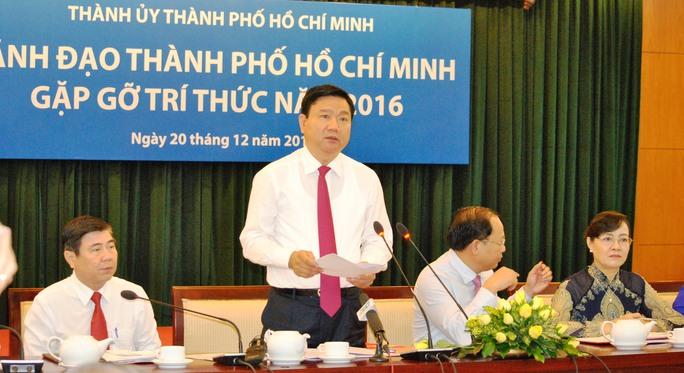 Bí thư Thành ủy TP HCM Đinh La Thăng tại buổi gặp gỡ đội ngũ trí thức TP HCM