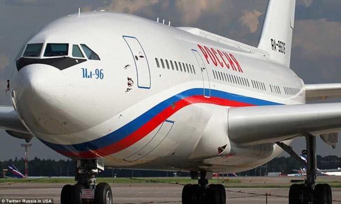 Nga gửi một chiếc Ilyushin Il-96 tới Mỹ đón các nhà ngoại giao. Ảnh: TWITTER