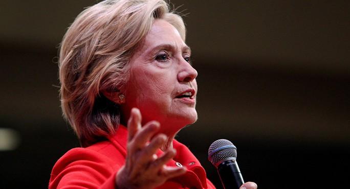 Bà Hillary Clinton thất thế ở bang New Hampshire. Ảnh: AP