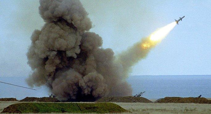 Vụ thử tên lửa của Ukraine vẫn diễn ra như kế hoạch. Ảnh: AP