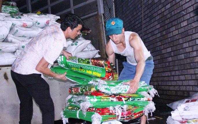 Cơ quan chức năng tỉnh Lâm Đồng liên tục bắt giữ số lượng lớn phân bón giả từ các cơ sở sản xuất, kinh doanh trái phép. Trong ảnh: Cơ sở sản xuất phân bón trái phép của bà Kim Mây ở TP Bảo Lộc, tỉnh Lâm Đồng