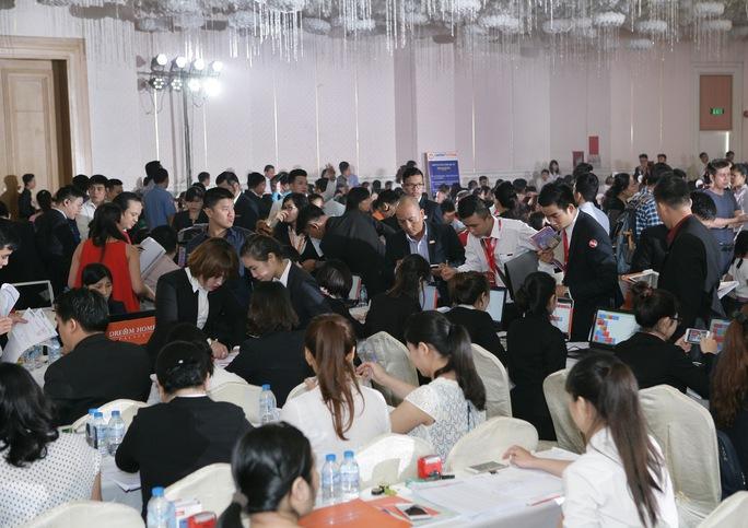 Buổi mở bán dự án Dream Home Palace thu hút rất nhiều sự quan tâm của khách hàng