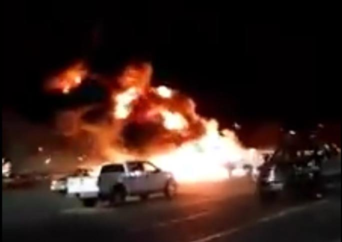 Vụ tai nạn máy bay hôm 18-11 gây cháy lớn. Ảnh: Bnonews