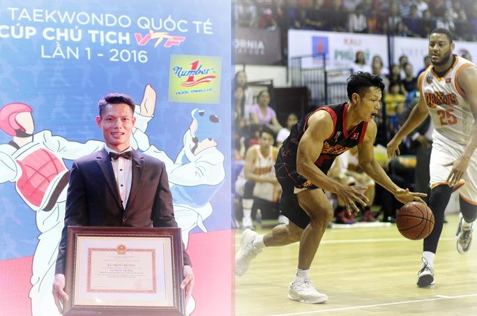 Nguyễn Văn Hùng nhận bằng khen vì những đóng góp cho taekwondo Việt Nam nhân kỷ niệm 20 năm ngày thành lập Liên đoàn Taekwondo Việt Nam và trong màu áo Saigon Heat tại mùa giải 2016-2017