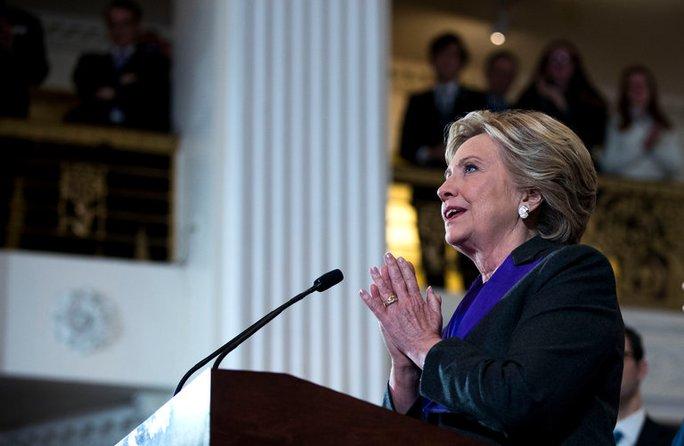 Bà Clinton cho rằng chiến dịch của mình thất bại là do lỗi của giám đốc FBI. Ảnh: The New York Times