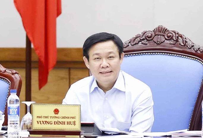 Phó Thủ tướng Vương Đình Huệ yêu cầu có quyết sách thực hiện hiệu quả bảo lãnh tín dụng cho doanh nghiệp Ảnh: Thành Chung