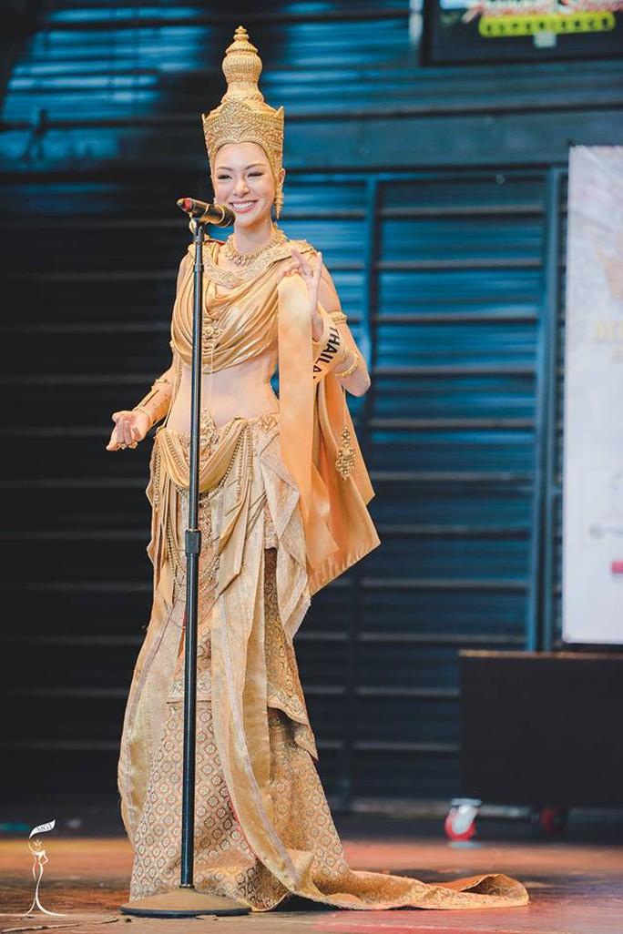 """Trang phục Việt vào tốp 10 tại """"Hoa hậu Hoà bình quốc tế"""""""