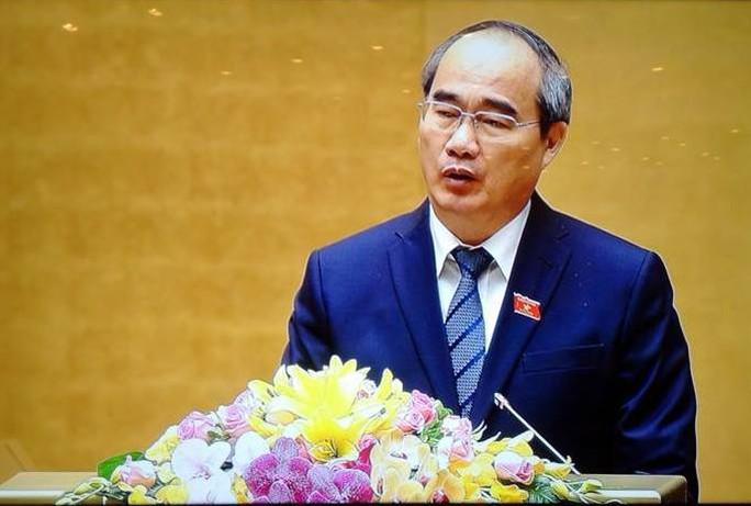 Chủ tịch Uỷ ban Trung ương MTTQ Việt Nam Nguyễn Thiện Nhân trình bày báo cáo
