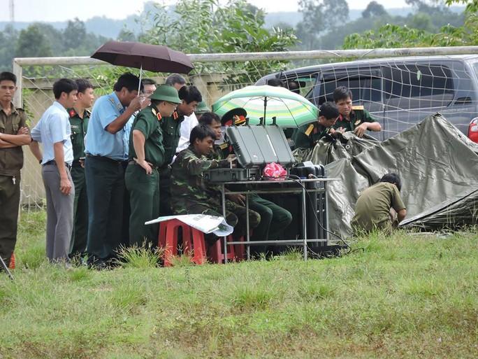 Ban chỉ đạo tiền phương chỉ đạo sử dụng máy bay không người lái tìm trực thăng mất tích