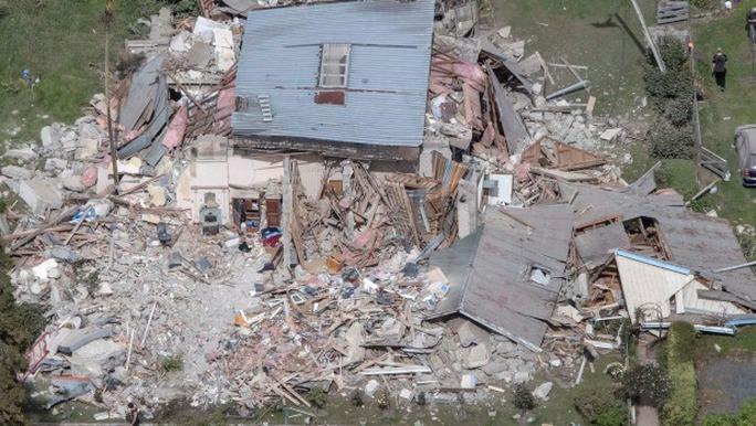Ngôi nhà sụp đổ hoàn toàn. Ảnh: FAIRFAX/NZ